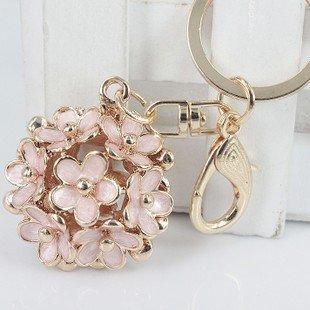 Newest Style Little Daisy Flowers Car Key Chain Key Jewelry Keyring Fashion Trinket Souvenir Christmas Gift Bag Key Holder Decorations